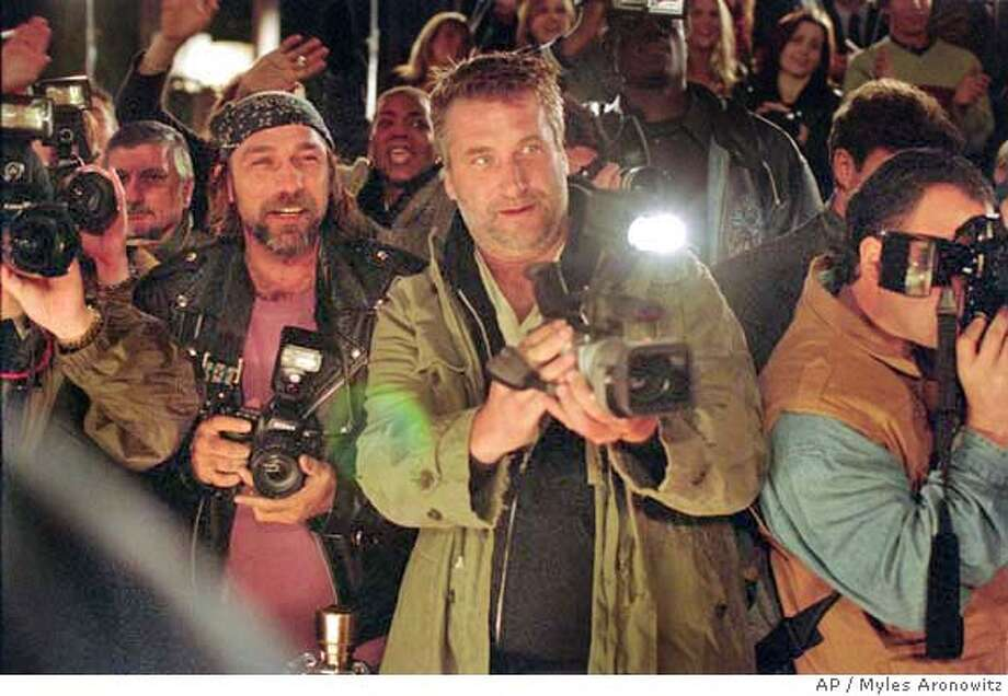 Kevin Gage as Kevin Rosner and Daniel Baldwin as paparazzo Wendell Stokes in 20th Century Fox's Paparazzi - 2004 Myles Aronowitz/20th Century Fox