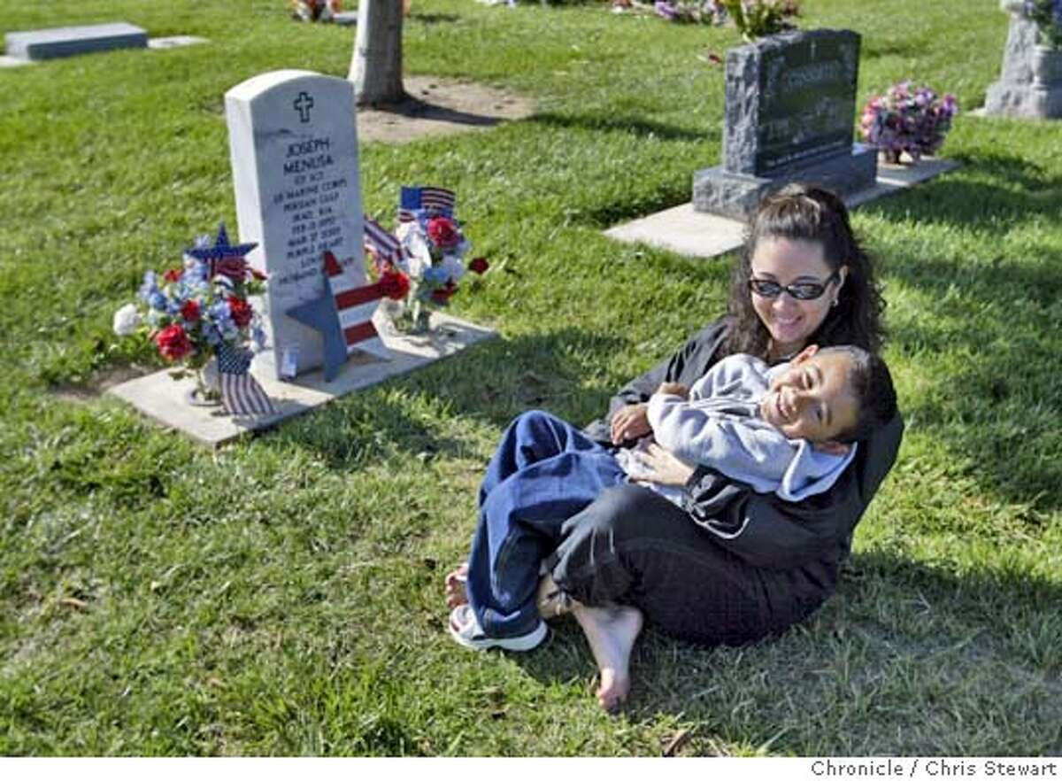 Event on 8/31/04 in Santa Maria Stacy Menusa, widow of Gunnery Sgt. Joseph Menusa with their son Joshua, 4 1/2. One of many portraits of Northern California families who have lost a military son or daughter in the Middle East. Chris Stewart / The Chronicle