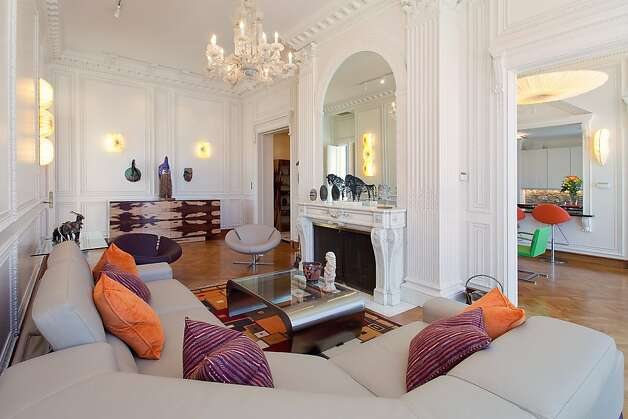 Penthouse atop san francisco 39 s art deco hamilton sfgate for Living room with 10 foot ceiling