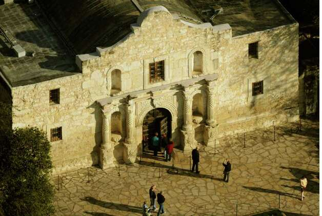 The Alamo shrine in San Antonio, Texas, Jan. 19, 2011.  A decision on the use of the Alamo as a trademark was reached by the state's General Land Office and the Daughters of the Republic of Texas earlier this month. The trademark willl be owned by the state.  BILLY CALZADA / gcalzada@express-news.net Photo: BILLY CALZADA, SAN ANTONIO EXPRESS-NEWS / gcalzada@express-news.net