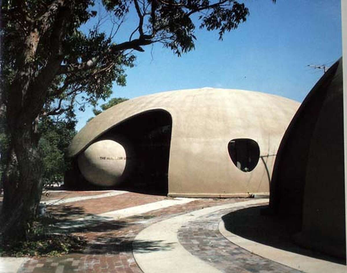 Narrabeen North Library in N.S.W. Australia designed by Dante Bini, inventor of the Binishell. 1/12/05 Mike Kepka/The Chronicle