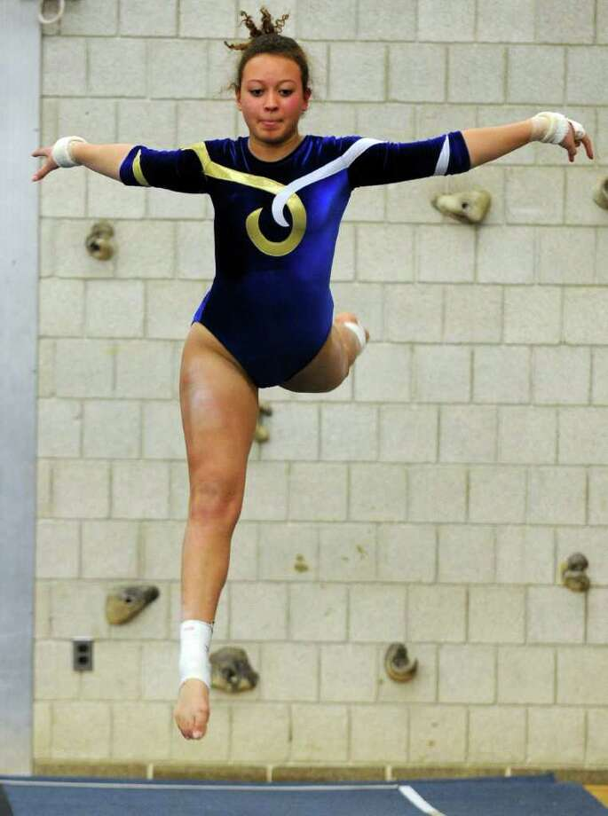 Weston's Keturah Sarno performs on floor Jan. 5. Sarno had an all-around score of 27.95, including an 8.35 on floor Tuesday in the team's loss at Pomperaug. Photo: Autumn Driscoll, Autumn Driscoll/Staff Photographer / Connecticut Post