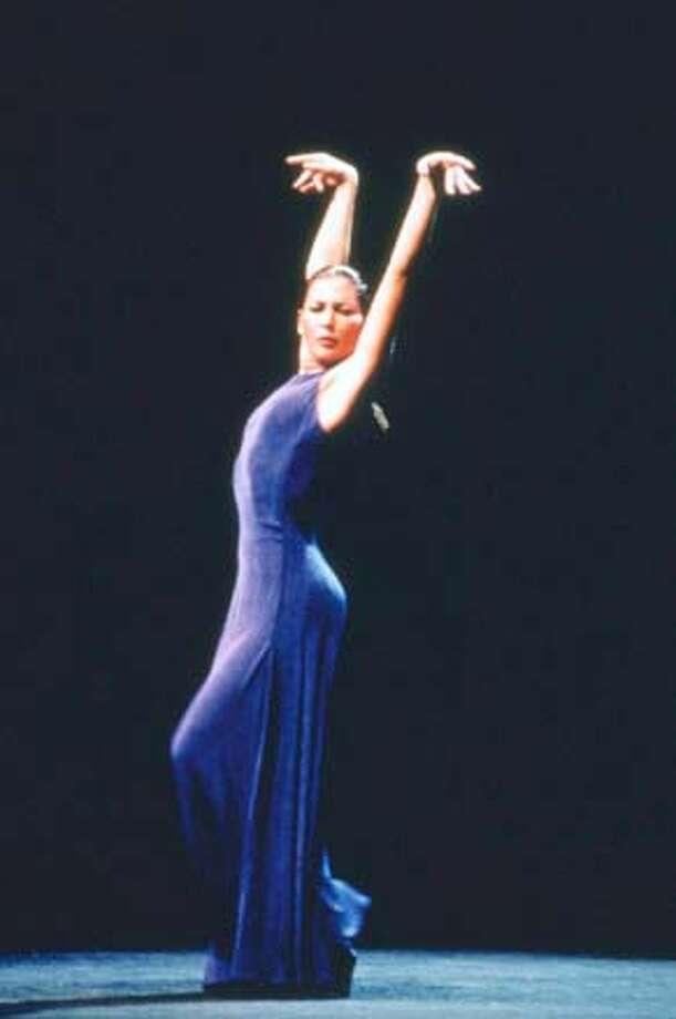 Photo of Sara Baras.