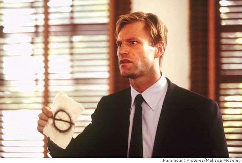 """ECKART24 Aaron Eckhart as Agent Tom Mackelway in """"Suspect Zero."""" Paramount Pictures/Melissa Moseley"""