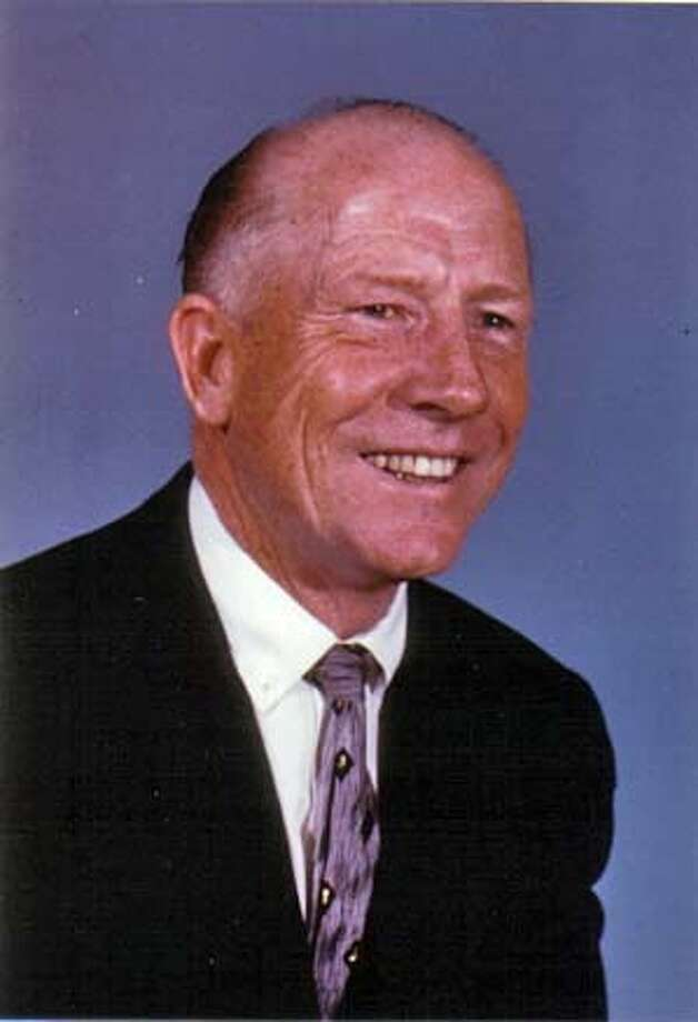 Obituary photo of Mr. Meredith M. Shattuck.