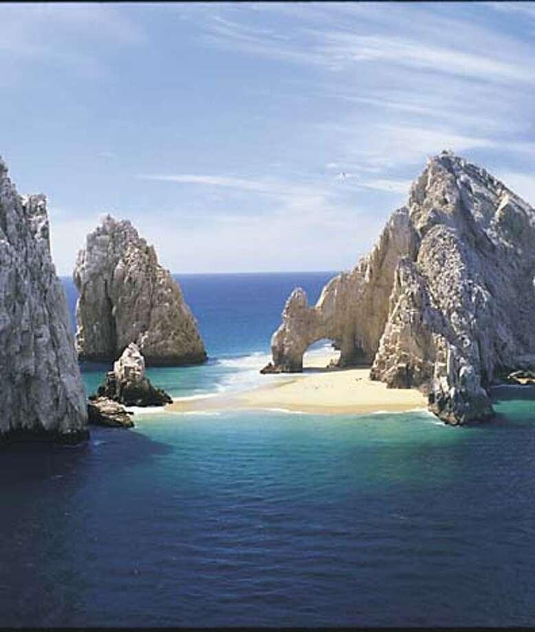 Photo of Los Arcos in Los Cabos Mexico. Photo: Tyson Promotions / Los Cabos Mag