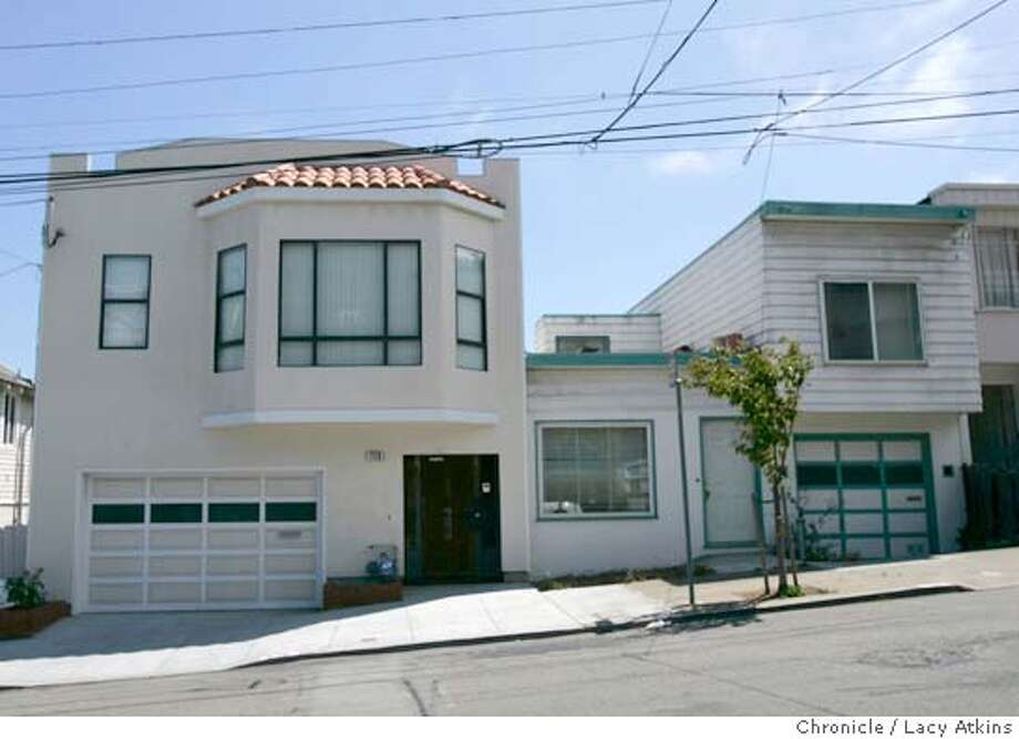 Exterior of 729 and 731 Bacon Street in San Francisco,Aug.12,2004. Julie Lee sold the property to someone who than gave money to the Kevin Shelly campaign. LACY ATKINS / The Chronicle Photo: LACY ATKINS