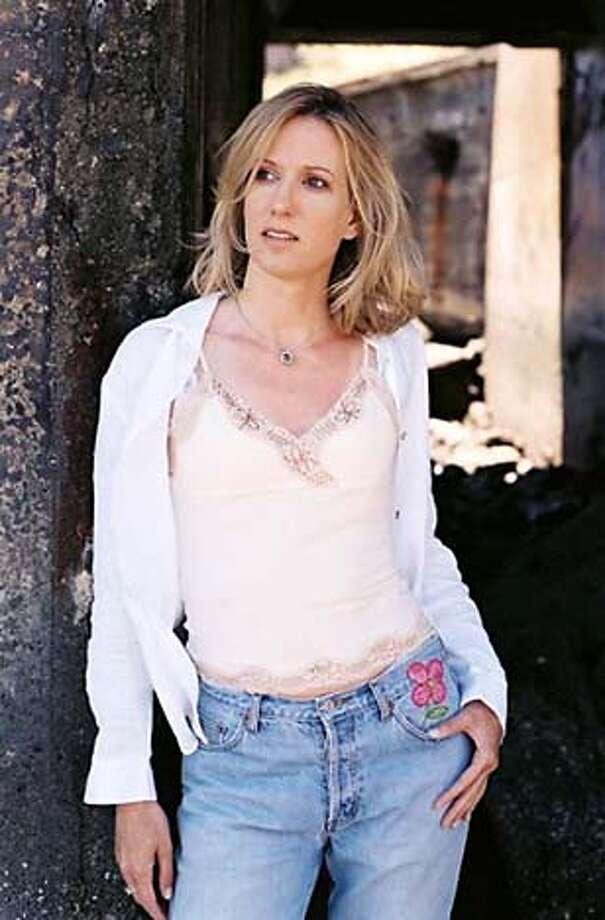 Photo of singer Valerie Jay.