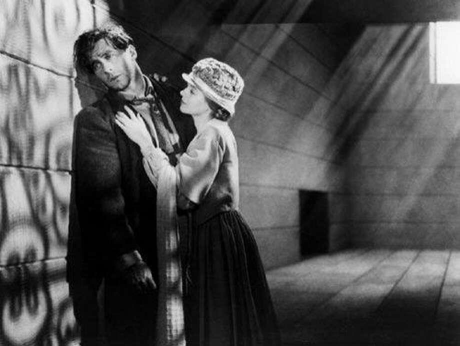 "George O'Brien, Janet Gaynor in ""Sunrise."" Photo: Fox Film Corp. 1927"