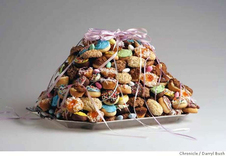 italian wedding cake cookie recipe celebrations a sweet tradition italian cookie cakes 16509