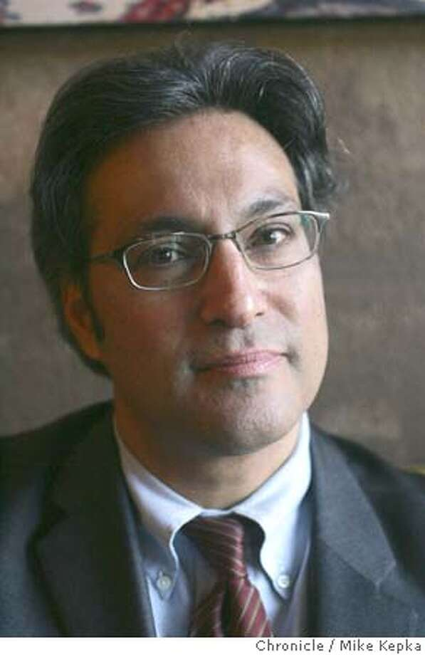 ross08089_mk.jpg Ross Mirkarimi at his District 5 neighborhood hangout, Cafe Abir. Mirkarimi will be sworn in as a new District 5 Supervisor Friday. 1/7/05  Mike Kepka/The Chronicle MANADATORY CREDIT FOR PHOTOG AND SF CHRONICLE/ -MAGS OUT Photo: Mike Kepka