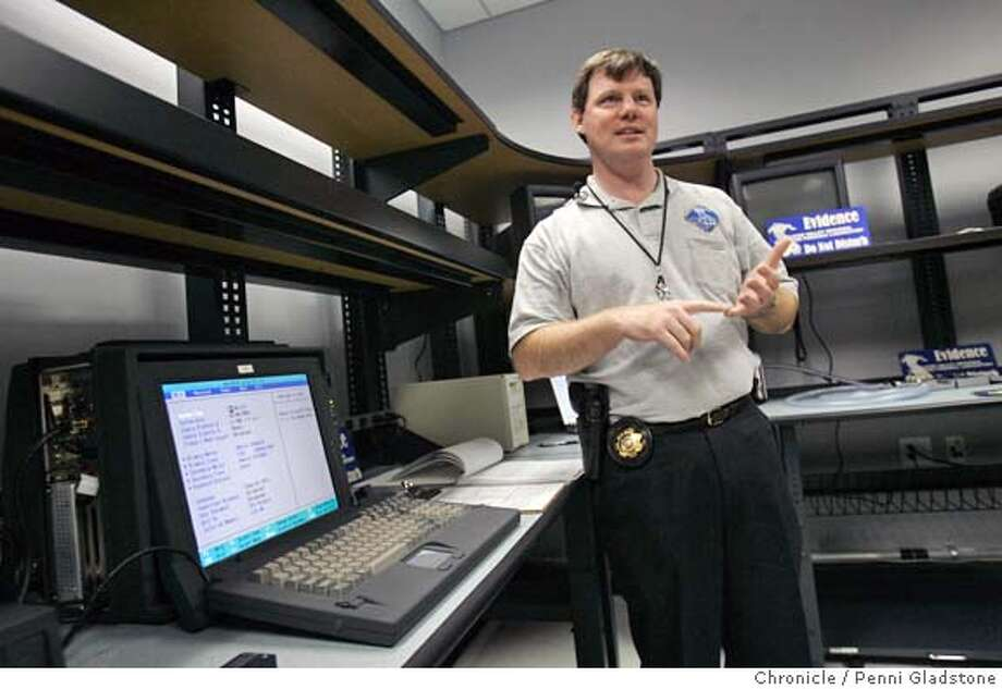 Menlo Park Fbi Opens Silicon Valley Lab Electronic Devices A Boon For Forensics Sfgate