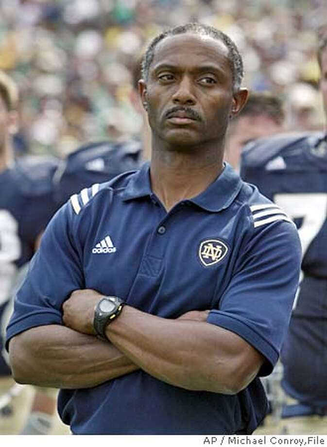 a biography of tyrone willingham a football coach Tyrone willingham is leaving the relatively comfortable football climate of stanford to become head coach of the nation's most storied college sports team, the fighting irish of notre dame.