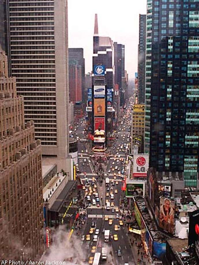 Follow the reader east sfgate for Traveling to new york in december