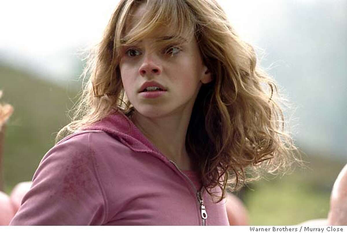 OLSEN24 EMMA WATSON as Hermione Granger in Warner Bros. Pictures� fantasy �Harry Potter and the Prisoner of Azkaban.�