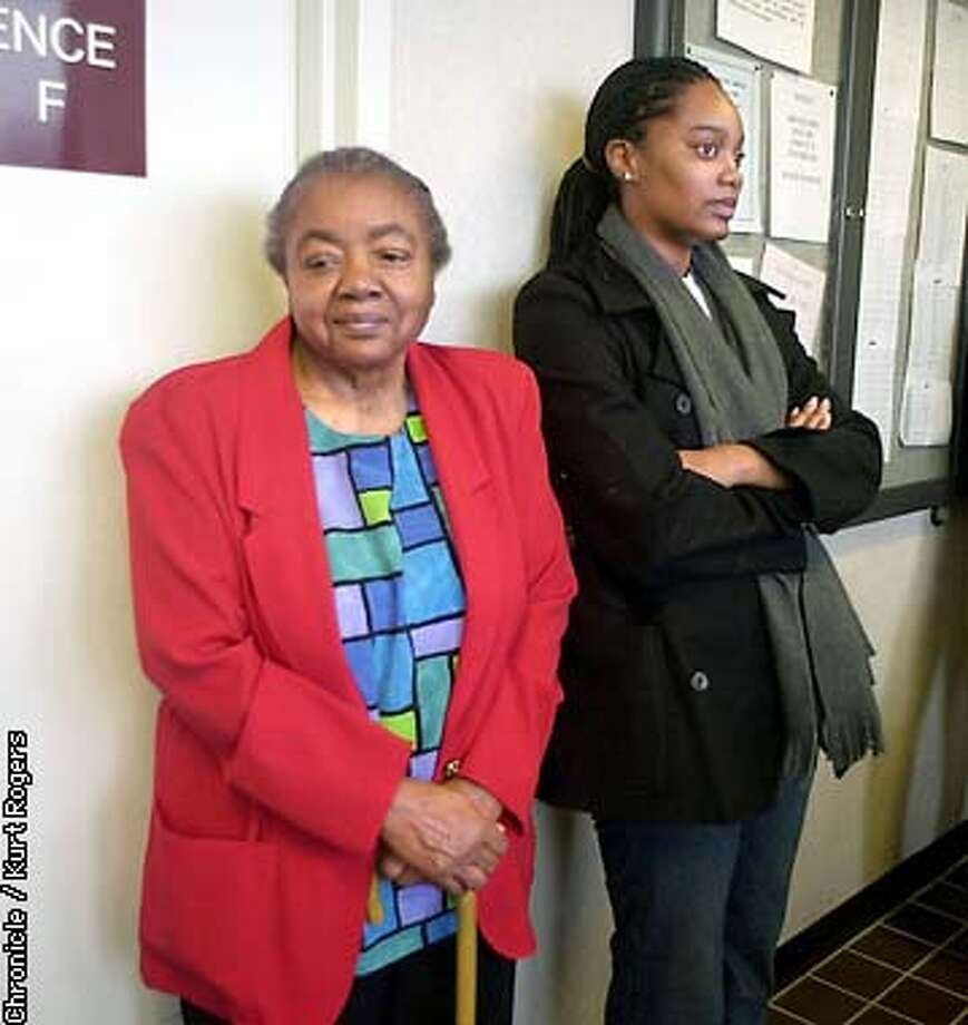 wating outside a Vallejo courtroom, Riva Lee Boyden Great Grandmother of Le-Zhan and Katrina lewis they where let into the court for the arraignment of Latasha Brown. Photo by Kurt Rogers Photo: Kurt Rogers