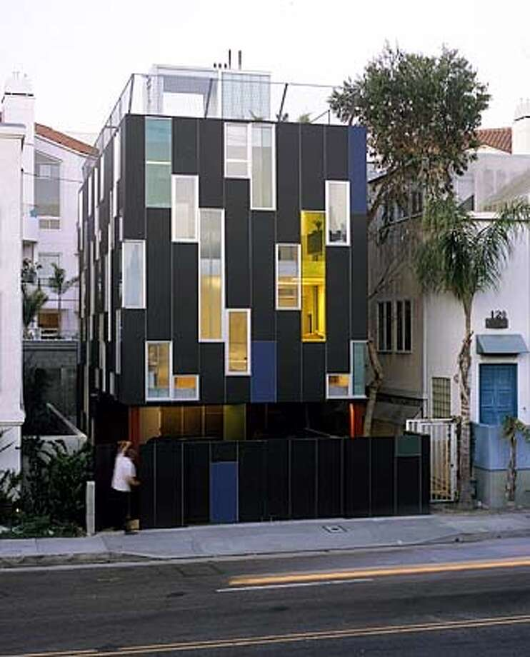 Vertical house in Venice