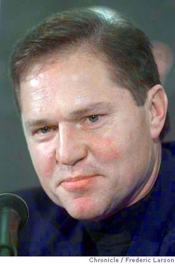 BARRYBONDS3-C-19NOV01-SP-FRL: Barry Bond agent Scott Boras is pretty tight lipped about the future of his client during a press conference at PacBell after Bond's MVP announcement. Chronicle photo by Frederic Larson Photo: FREDERIC LARSON