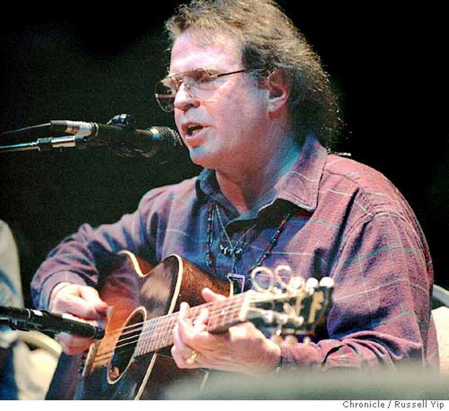 "CHRONICLE 02/15/94 // COUNTRY JOE MCDONALD AT MASONIC AUDITORIUM IN ""A MUSICAL REUNION OF OLD FRIENDS."" ALSO RAN 4/15/02, 2/3/03 Ran on: 06-21-2004  Country Joe McDonald's protest songs still win accolades. Photo: RUSSELL YIP"