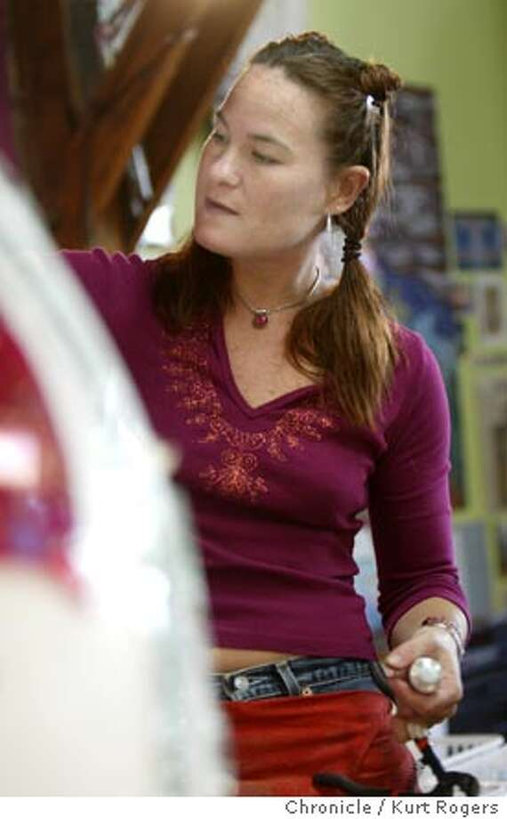 mosaic artist Laurel True in her Oakland studio working on a Heart. 6/10/04 in Oakland,CA.  Kurt Rogers/The Chronicle Photo: Kurt Rogers
