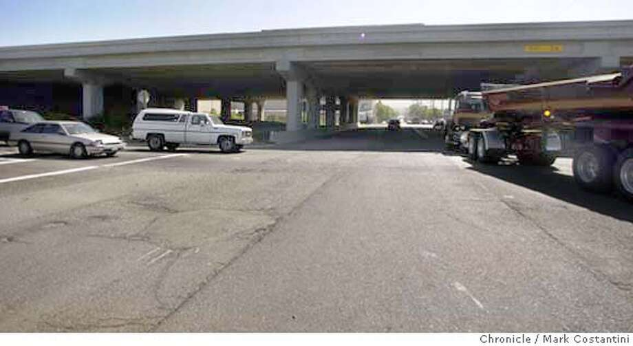 CWGILMANOFFRAMP_180.JPG Photo taken on 6/16/04 in BERKELEY.  Offramp of highway 80 at Gilman Street, a confusing place to drive safely through.  Photo: Mark Costantini/SF Chronicle Photo: MARK COSTANTINI