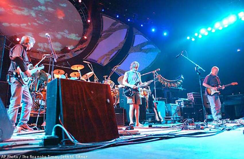 The Other Ones, with four surviving members of the Grateful Dead, started their fall tour in Virginia. The Roanoke Times photo by Seth M. Gitner via Associated Press