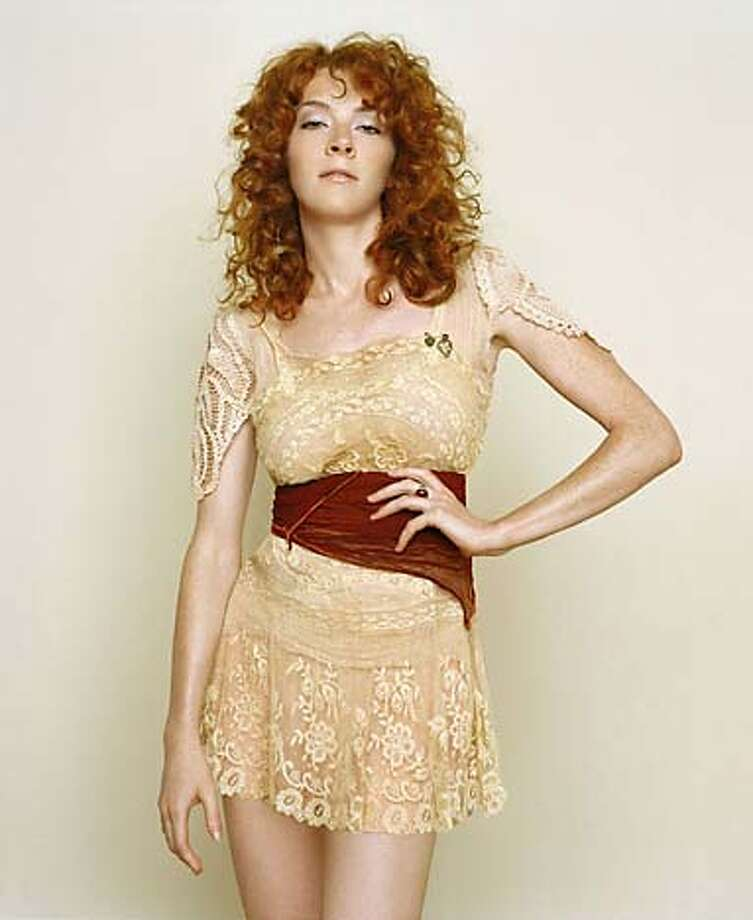 Melissa Auf der Maur leaves Hole and Smashing Pumpkins behind her for a solo career.