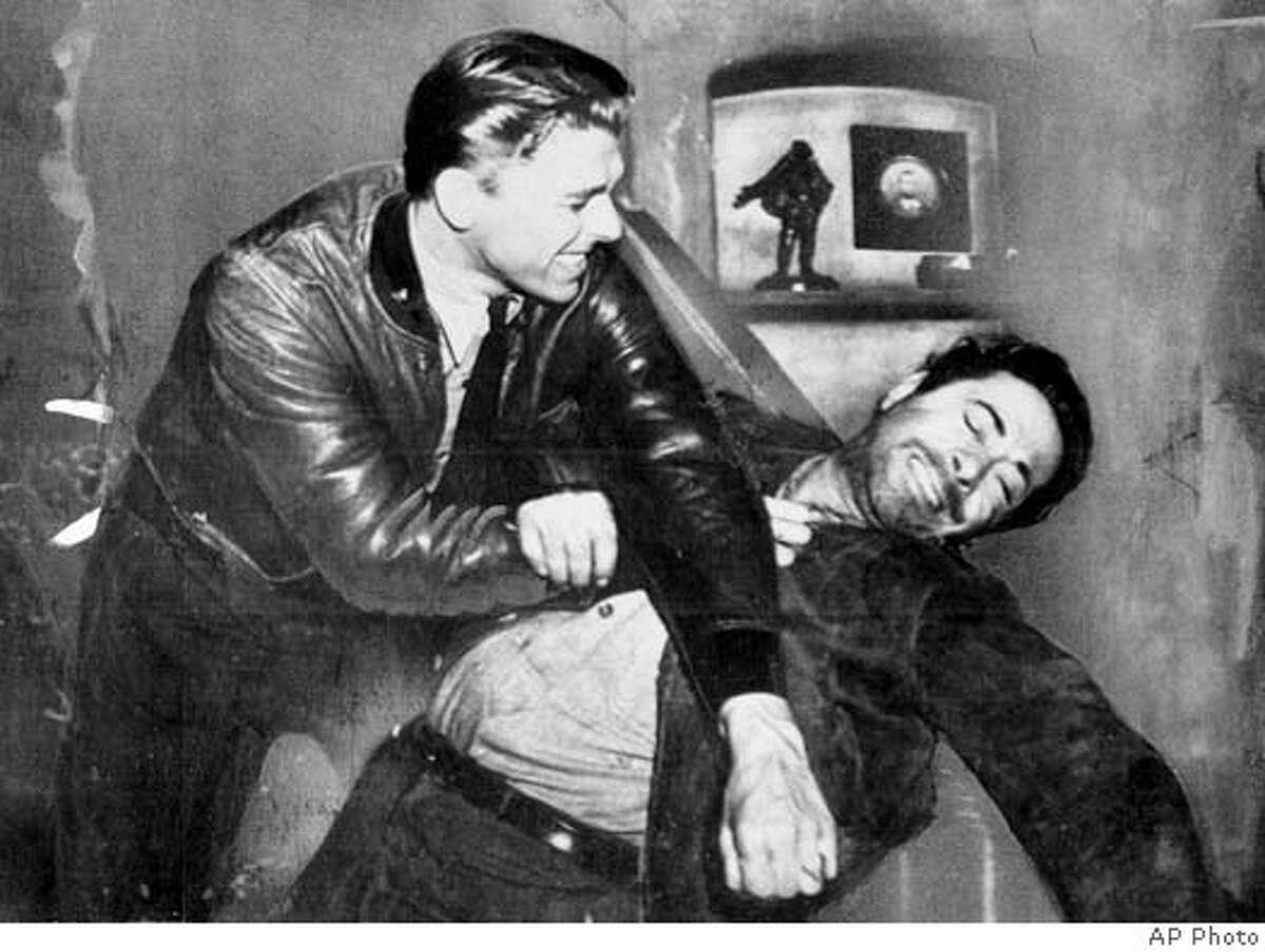 REAGAN7/B/10AUG99/MN/AP--Ronald Reagan and Bernard Nedell.