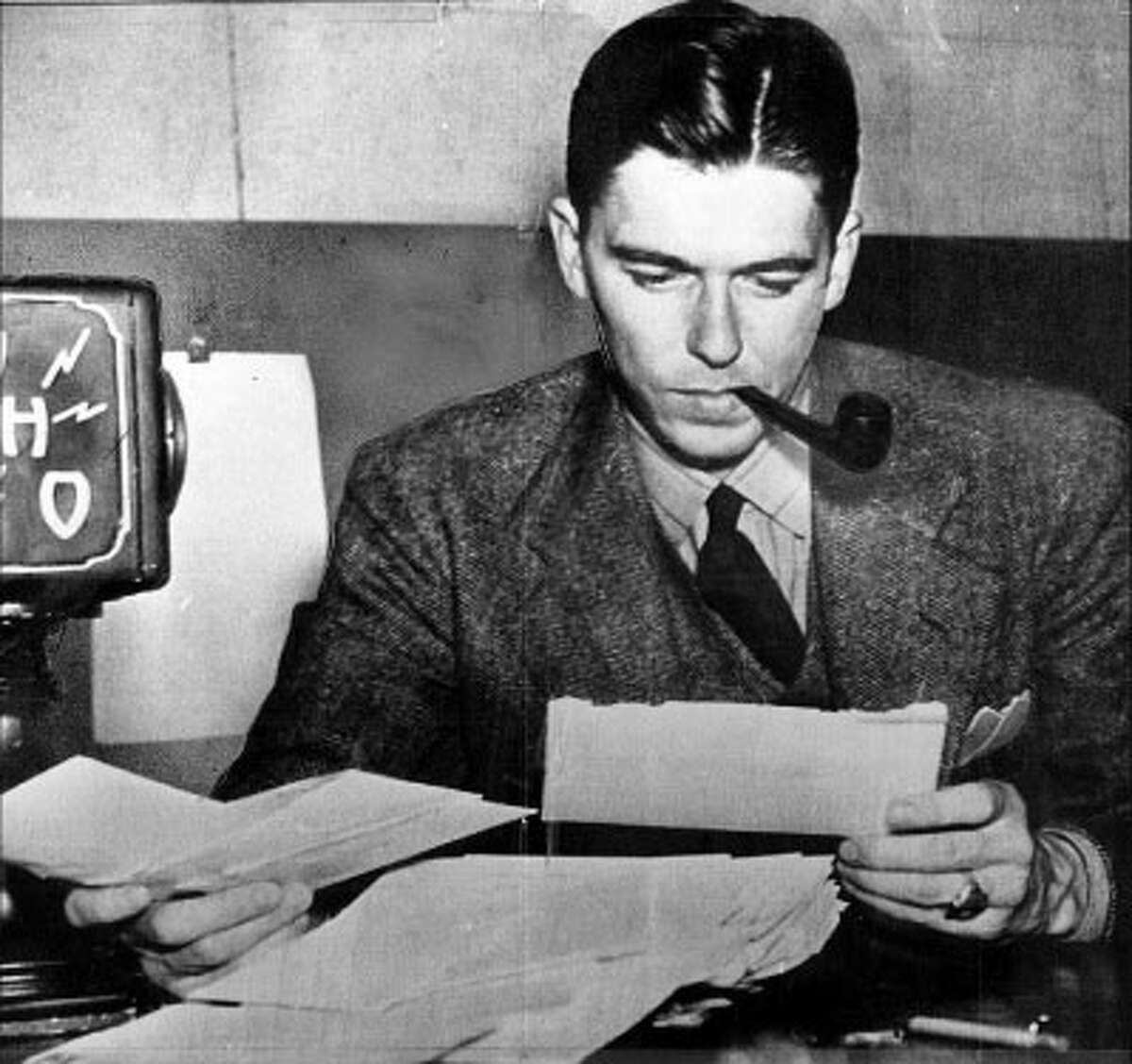 Reagan was a sports announcer for WHO radio inDes Moines, Iowa, in the early �30s.