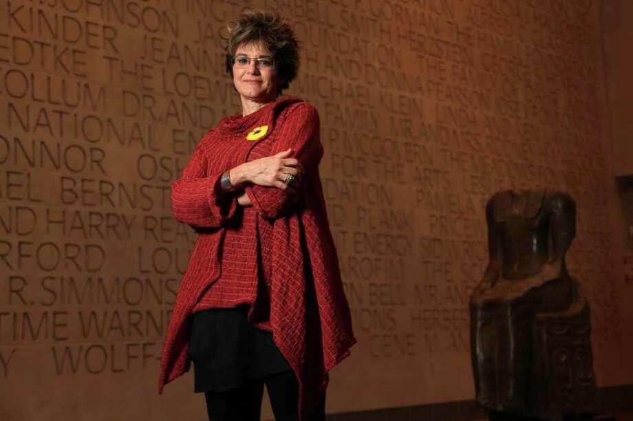 Mari Carmen Ramírez es la directora del proyecto sin precedentes Documents of 20th-Century Latin American and Latino Art, que compiló miles de documentos sobre arte en un esfuerzo de años. Photo: Mayra Beltran / © 2012 Houston Chronicle