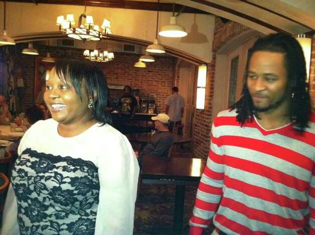 Earl Thomas Helps His Mom Retire Early From Lc M Beaumont Enterprise