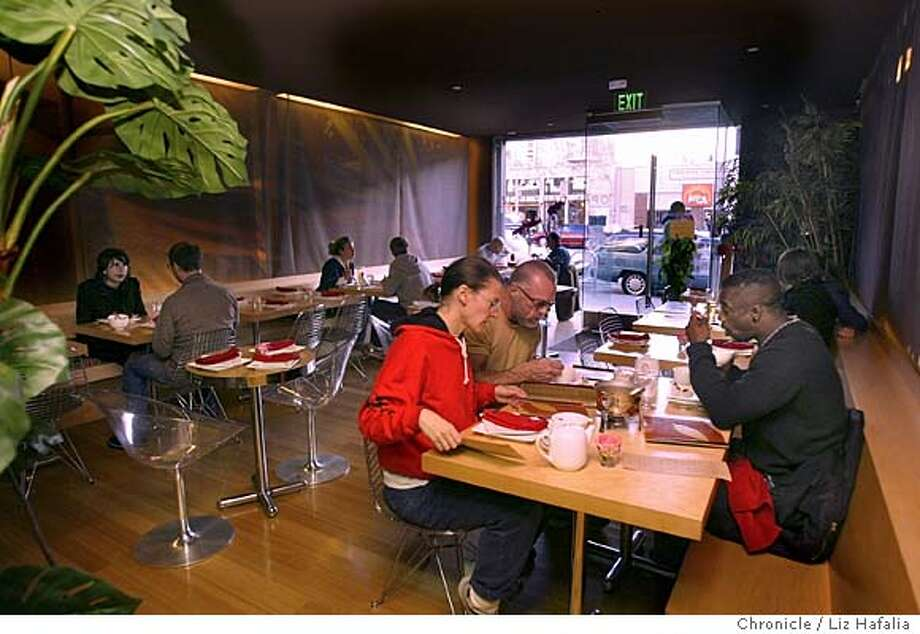 Osha thai--819 Valencia St., between 19th and 20th streets.  City:� SF, CA San Francisco on 5/20/04 by LIZ HAFALIA / The Chronicle Photo: LIZ HAFALIA