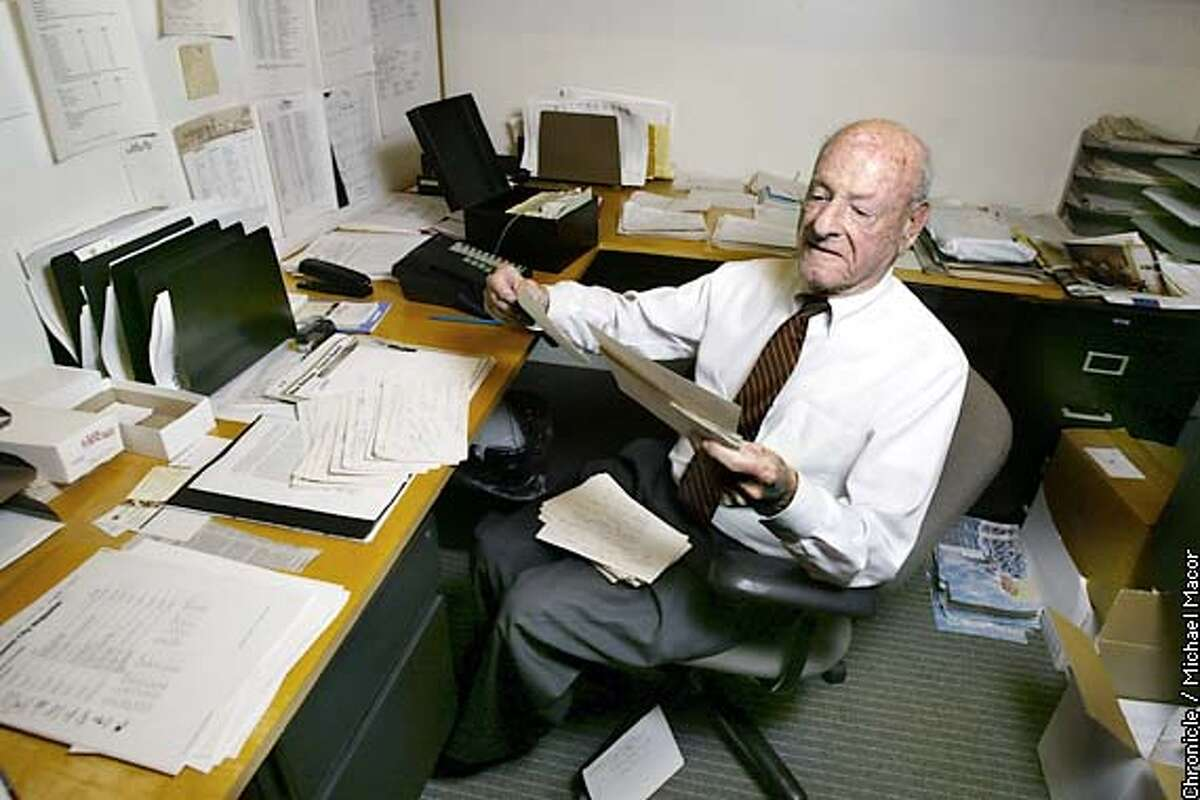 LILIENTHAL1-C-04OCT02-BU-MAC Ted Lilienthal at his office desk, uses index cards to keep track of his clients, but has never used a computer, cell phone, pager or palm pilot in the daily operation of his job. Ted Lilienthal, an ad salesman for San Francisco Magazine turned 90 years old this year and still works everyday. by MIchael Macor/The Chronicle