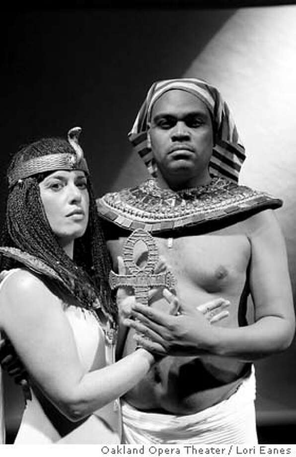 AKHNATEN19  Darla Wigginton as Nefertiti & Martin Bell as Horemhab in Oakland Opera Theater's upcoming production of Akhnaten.