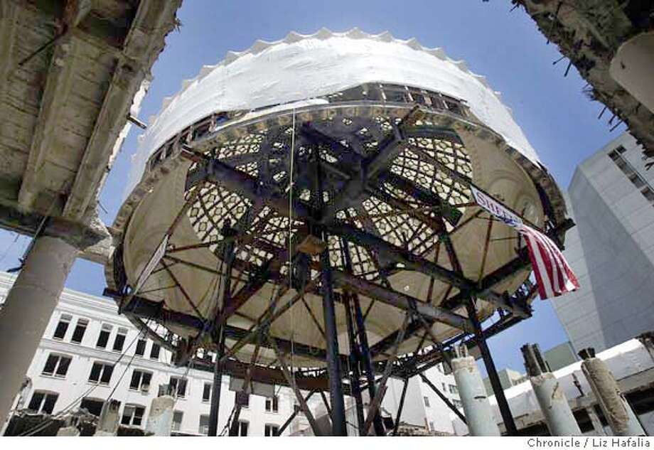 The 500,000-pound Emporium dome is being lifted 60 feet as part of the new Bloomingdale's project. Shot on 5/18/04 in San Francisco. LIZ HAFALIA / The Chronicle Photo: LIZ HAFALIA