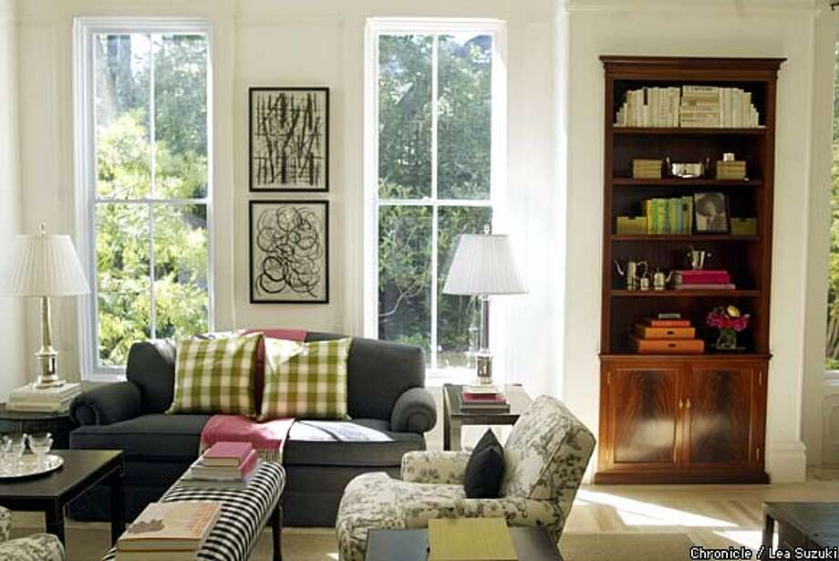 Lively Mix: Antiques And Contemporary Furnishings Coexist Beautifully In A  Sausalito Victorianu0027s Living Room.