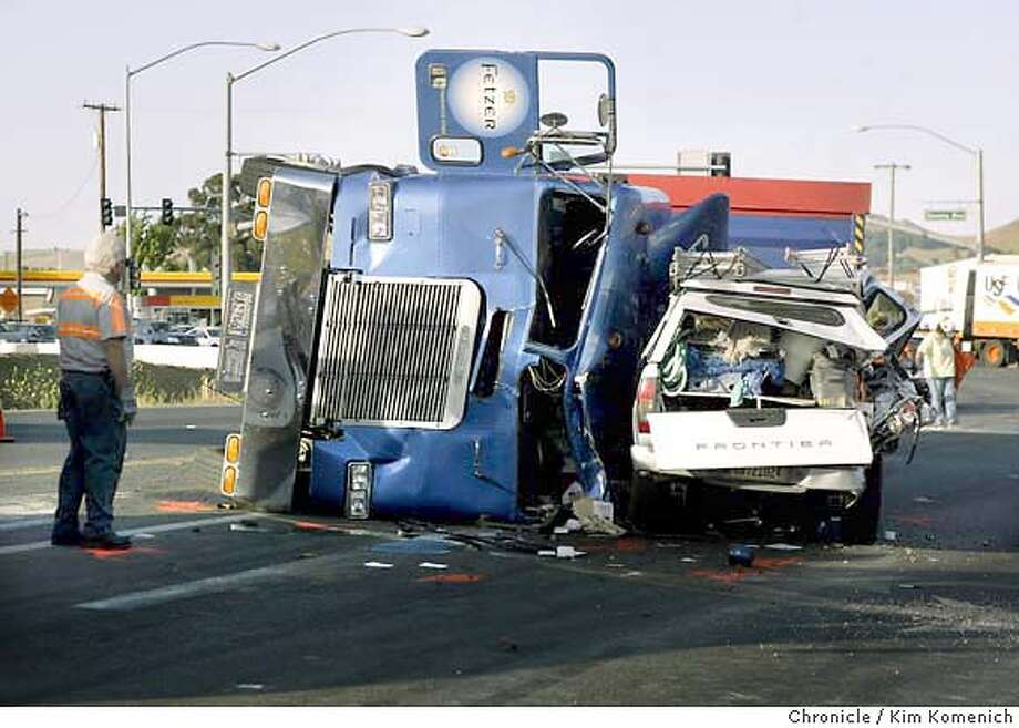 VALLEJO / Schoolkids escape injury when big rig accident