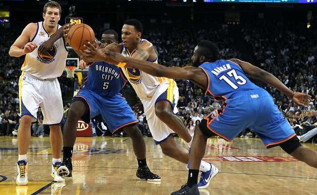 Golden State Warriors' Brandon Rush (4) drives against Oklahoma City Thunder during the first half of their NBA basketball game in Oakland, Calif., Friday, January 27, 2012. Photo: Lance Iversen, The Chronicle