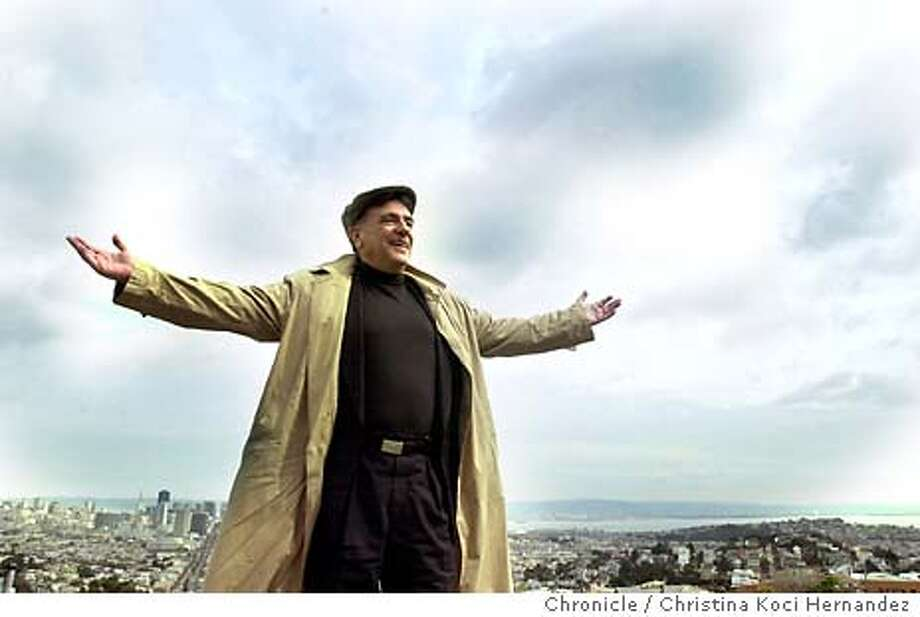 """CHRISTINA KOCI HERNANDEZ/CHRONICLE  Houskeeper on top of his apartment's roof, overlooking SF.Lee Houskeeper, an old fashion """"flak"""" or as he likes to call himself, """"press agent,"""" working at home and at a booth at John's Grill, on Ellis in SF.. Photo: CHRISTINA KOCI HERNANDEZ"""