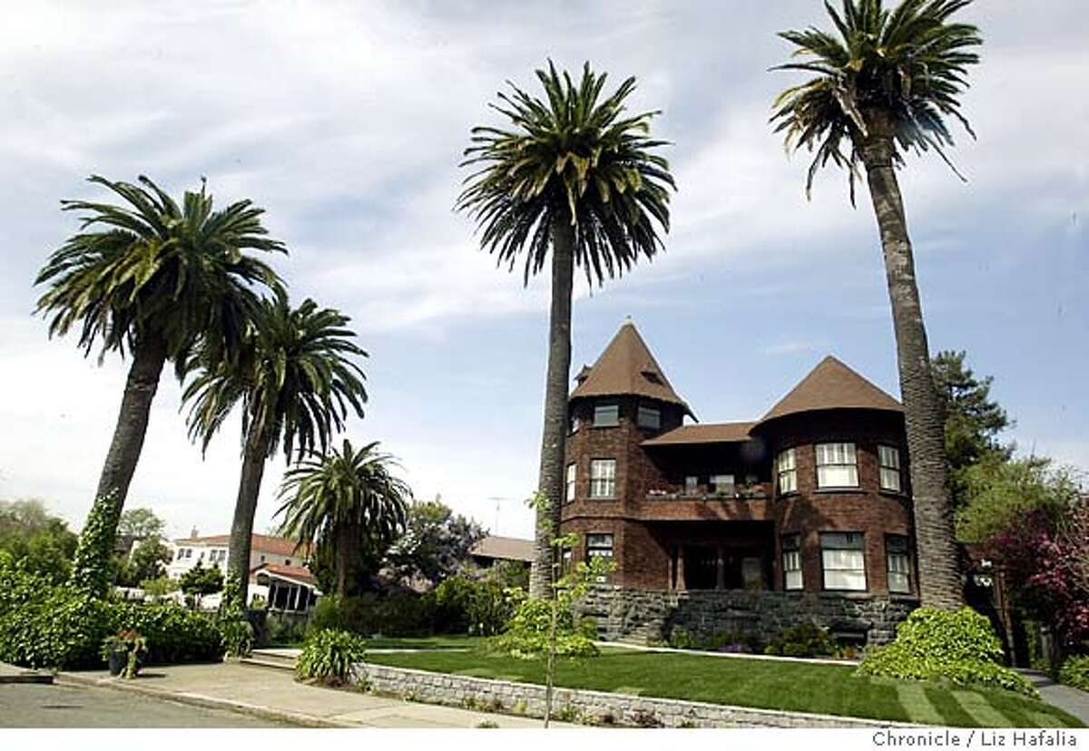 Architect Joseph Leonard built and lived in this home while he was commodore of the Encinal Yacht club. Shot on 3/29/04 in Alameda. LIZ HAFALIA / The Chronicle