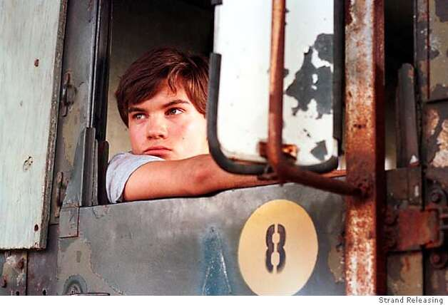 Emile Hirsch in Strand's The Mudge Boy - 2004