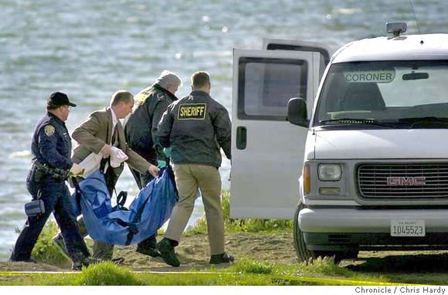 BODIES15-C-14APR03-MT-CH  BODY FOUND IN BAY AT POINT ISABEL ; the body is suspected to be that of Laci Peterson of Modesto.  -----CHRONICLE PHOTO BY CHRIS HARDY Photo: Chris Hardy