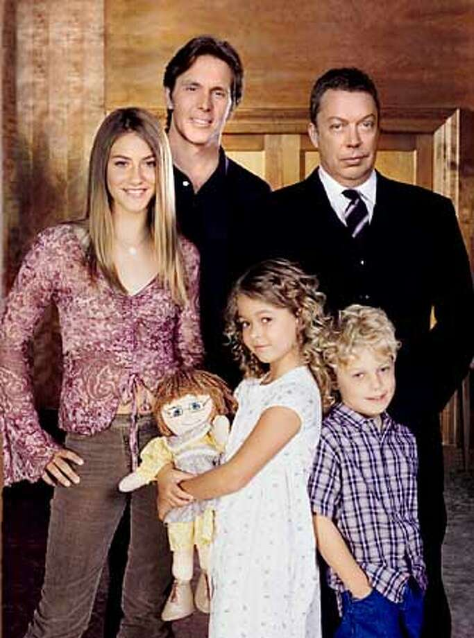 """Family Affair"" Pictured (clockwise from left): Caitlin Wachs as Sissy Davis, Gary Cole as Bill Davis, Tim Curry as Mr. French, Jimmy ""Jax"" Pinchak as Jody Davis, Sasha Pieterse as Buffy Davis Photo Credit: � The WB/Kwaku Alston Photo: HANDOUT"
