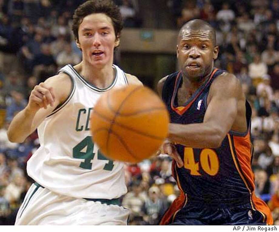 Boston Celtics' Jiri Welsch, left, races Golden State Warriors' Calbert Cheaney, right, for a loose ball during the first quarter at the Fleet Center, Friday, April 2, 2004, in Boston. (AP Photo/Jim Rogash) Photo: JIM ROGASH