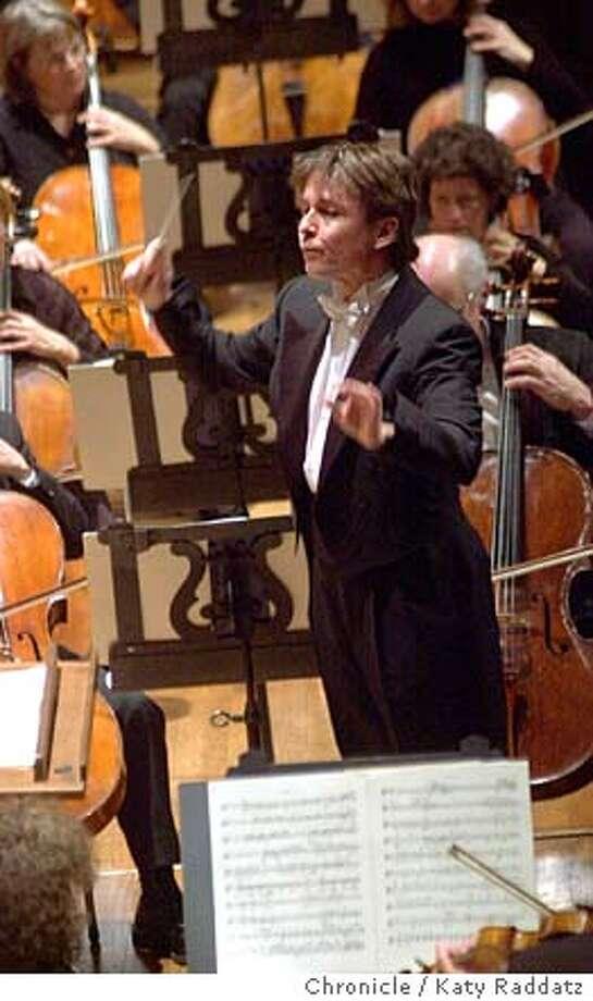 Esa-Pekka Salonen, the music director of the Los Angeles Philharmonic, makes his first apearance with the San Francisco Symphony at Davies Symphony Hall in San Francisco. Katy Raddatz / The Chronicle Photo: Katy Raddatz