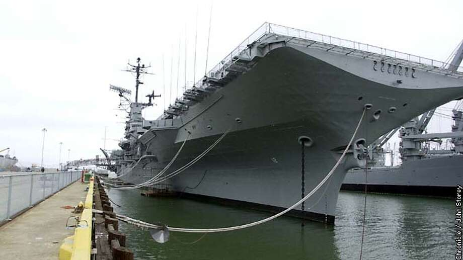 EBHORNET-C-28JUN02-EF-JRS-Story about the USS Hornet aircraft carrier docked in Alameda. Photo by John Storey. Photo: John Storey