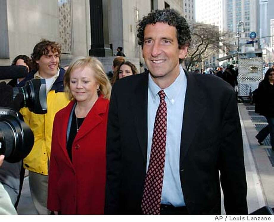 Former Tyco CFO Mark Swartz enters Manhattan State Supreme Court with his wife Karen, Monday, March 29, 2004, in New York. (AP Photo/ Louis Lanzano) Photo: LOUIS LANZANO