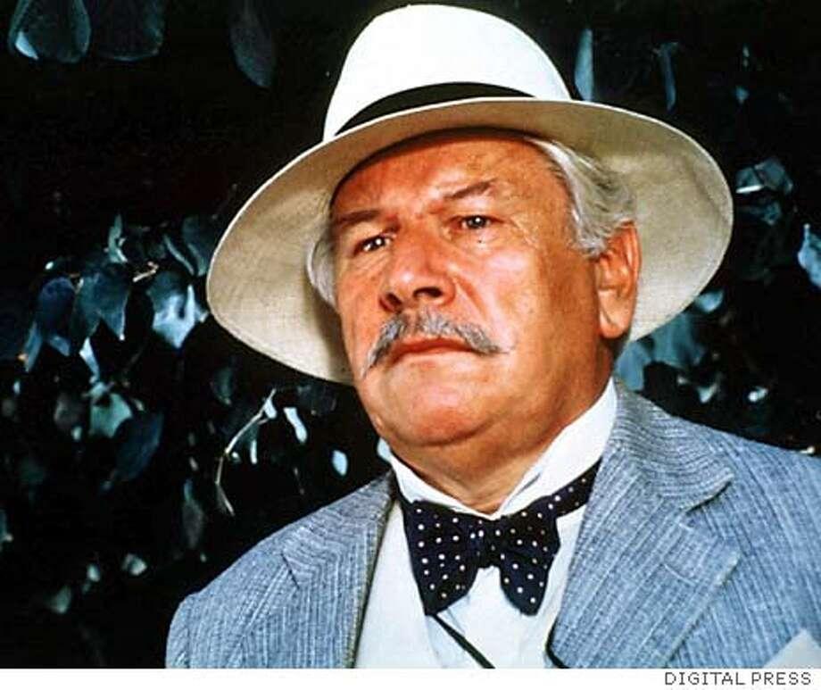 """Actor, con sombrero en una escena de la pelicula """"Asesinato en tres actos"""".  Actor, with a hat in a sequence of a film. Murder."""