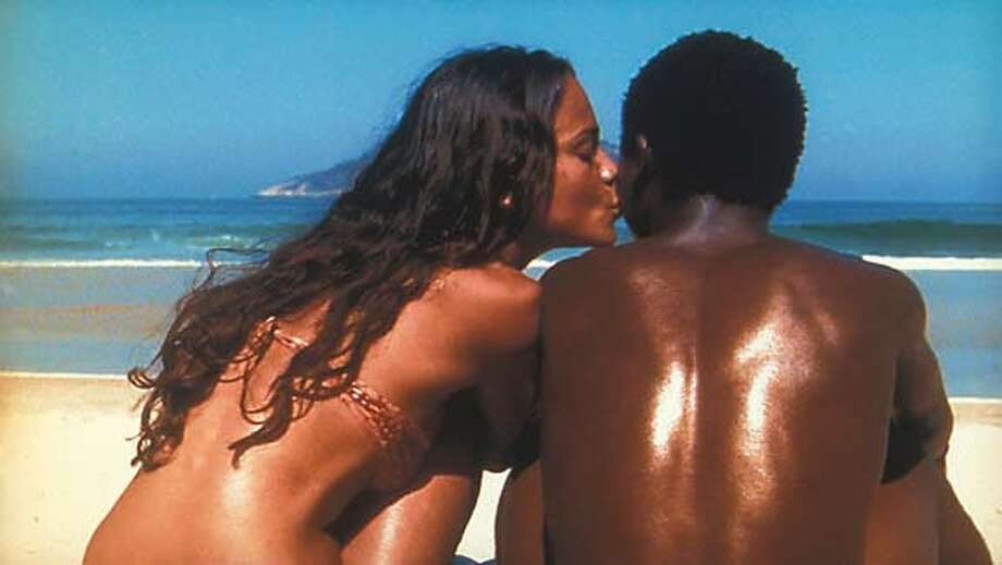 CITY24-C-21JAN03-DD-HO  Alexandre Rodrigues and Alice Braga in Fernando Meirelles�s CITY OF GOD. Photo Courtesy: Miramax Films  HANDOUT PHOTO/VERIFY RIGHTS AND USEAGE CAT Photo: HANDOUT
