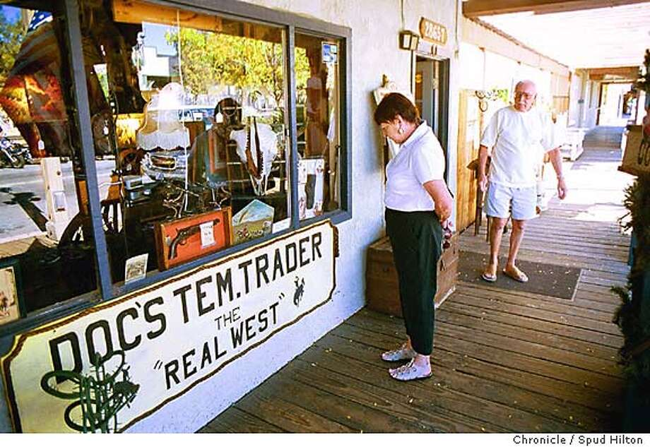 travel_temecula03_sh.jpg Browsers check out Doc's Temecula Traders, an antique store on Front Street in Old Town. 10/20/03 in Temecula. Spud Hilton/The Chronicle Photo: Spud Hilton